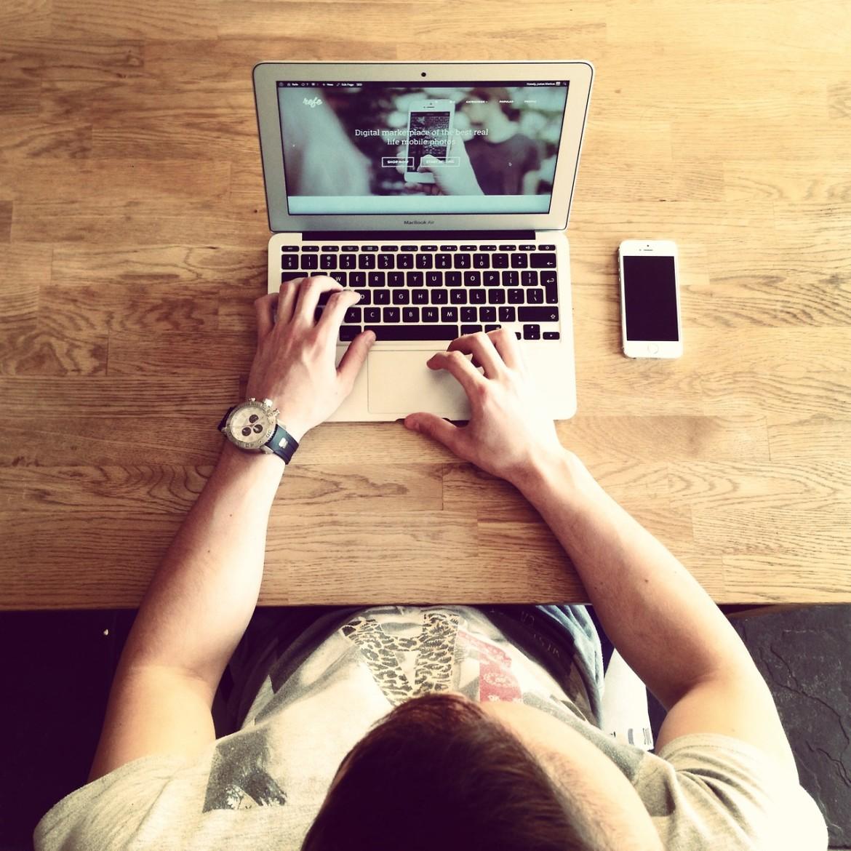 Friendly Find For Your Job Search: 6 Frases De Millennials Y Su Relación Con La Tecnología